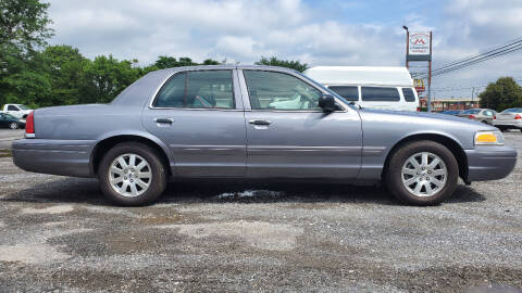 2006 Ford Crown Victoria for sale at Rob's Tower Motors in Taneytown MD