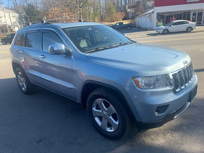 2012 Jeep Grand Cherokee for sale at QUINN'S AUTOMOTIVE in Leominster MA