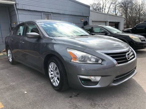 2014 Nissan Altima for sale at Wise Investments Auto Sales in Sellersburg IN