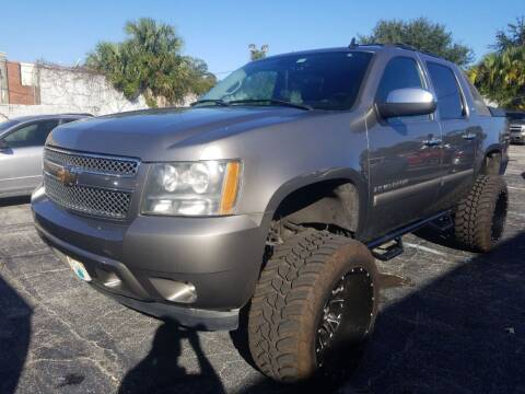 2007 Chevrolet Avalanche for sale at Castle Used Cars in Jacksonville FL