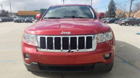 2011 Jeep Grand Cherokee for sale at Julian Auto Sales, Inc. in Warren MI