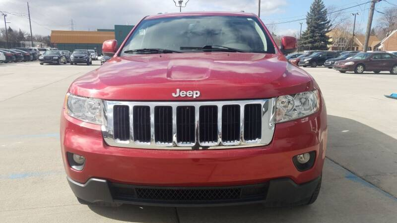 2011 Jeep Grand Cherokee for sale at Julian Auto Sales, Inc. in Warren MI