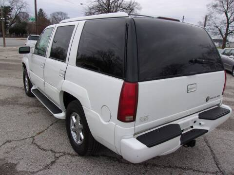 1999 Cadillac Escalade for sale at Car Credit Auto Sales in Terre Haute IN