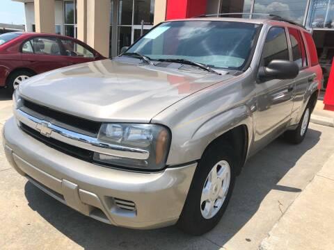2002 Chevrolet TrailBlazer for sale at Thumbs Up Motors in Warner Robins GA