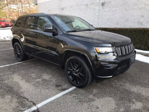 2017 Jeep Grand Cherokee for sale at Select Auto in Smithtown NY
