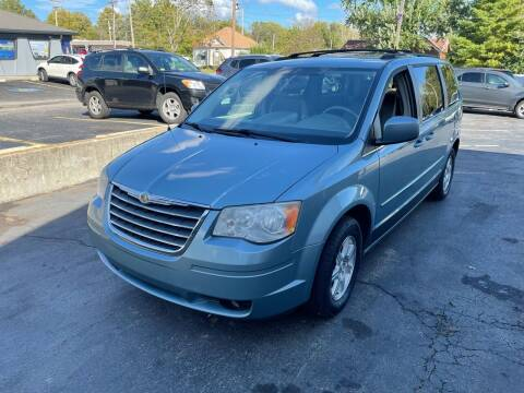 2009 Chrysler Town and Country for sale at Auto Choice in Belton MO