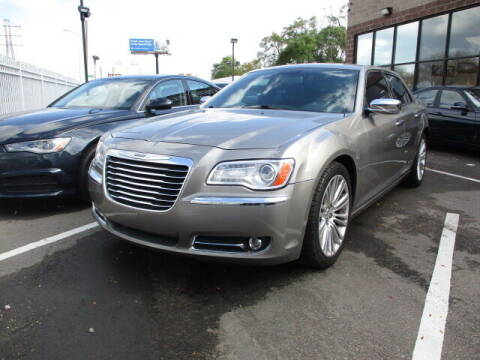 2014 Chrysler 300 for sale at SOUTHFIELD QUALITY CARS in Detroit MI