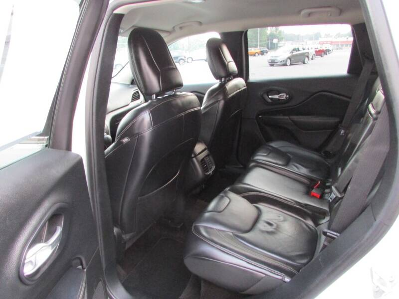 2016 Jeep Cherokee for sale at Brubakers Auto Sales in Myerstown PA