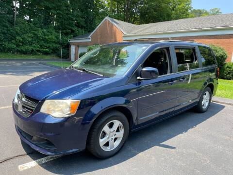 2012 Dodge Grand Caravan for sale at Volpe Preowned in North Branford CT