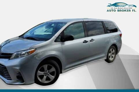 2019 Toyota Sienna for sale at INTERNATIONAL AUTO BROKERS INC in Hollywood FL