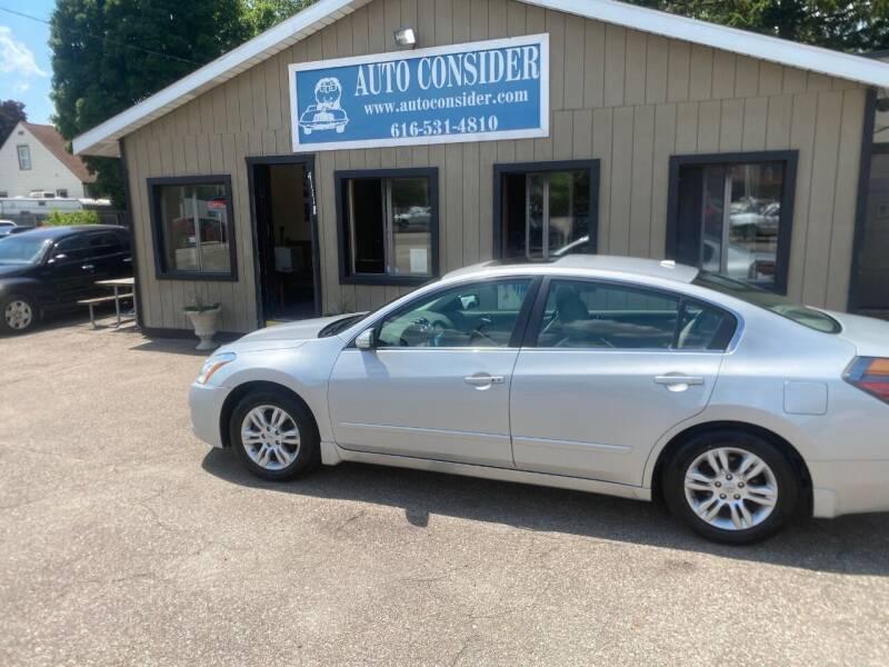 2011 Nissan Altima for sale at Auto Consider Inc. in Grand Rapids MI