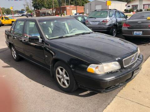 2000 Volvo S70 for sale at Wise Investments Auto Sales in Sellersburg IN