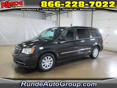 2016 Chrysler Town and Country for sale at Runde PreDriven in Hazel Green WI