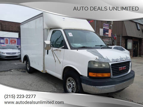 2005 GMC Savana Cutaway for sale at AUTO DEALS UNLIMITED in Philadelphia PA