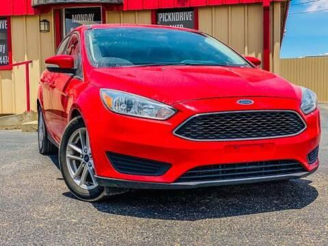 2015 Ford Focus for sale at MAGNA CUM LAUDE AUTO COMPANY in Lubbock TX