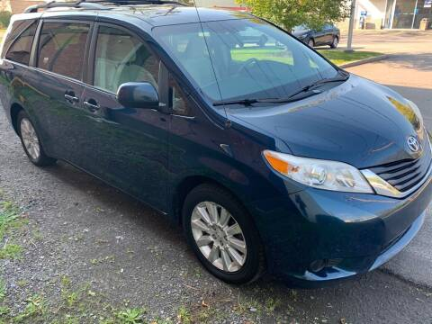 2011 Toyota Sienna for sale at Select Auto Brokers in Webster NY