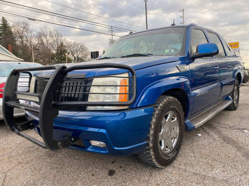 2003 Cadillac Escalade EXT for sale at GREENLIGHT AUTO SALES in Akron OH