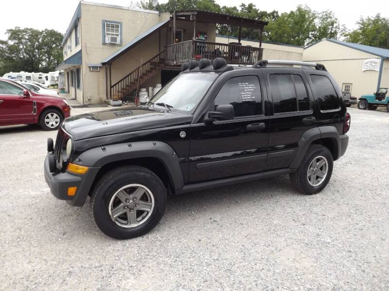 2005 Jeep Liberty for sale at Country Side Auto Sales in East Berlin PA