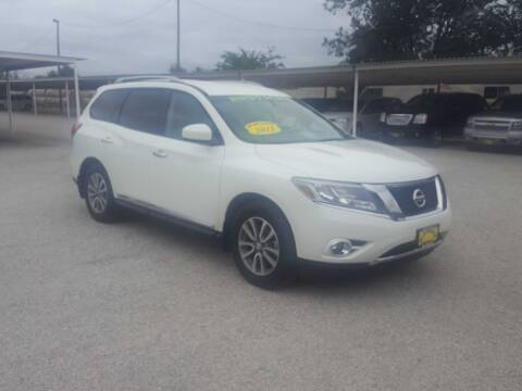 2015 Nissan Pathfinder for sale at Bostick's Auto & Truck Sales LLC in Brownwood TX