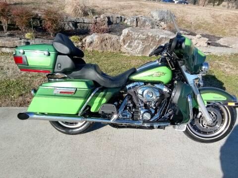 2007 Harley-Davidson FLHTCU for sale at HIGHWAY 12 MOTORSPORTS in Nashville TN