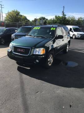 2004 GMC Envoy for sale at Square Business Automotive in Milwaukee WI
