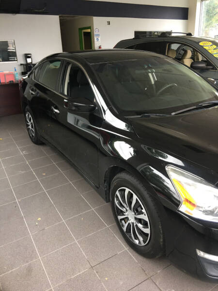 2015 Nissan Altima for sale at King Auto Sales INC in Medford NY
