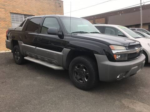 2002 Chevrolet Avalanche for sale at 611 CAR CONNECTION in Hatboro PA