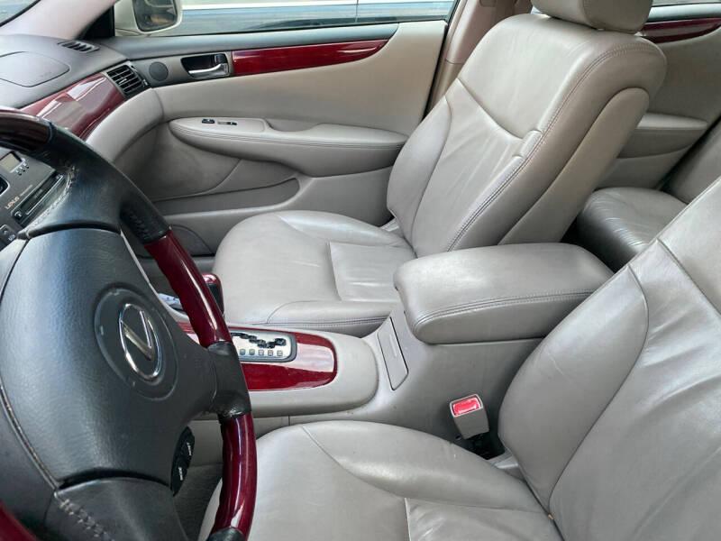 2002 Lexus ES 300 4dr Sedan - Cincinnati OH