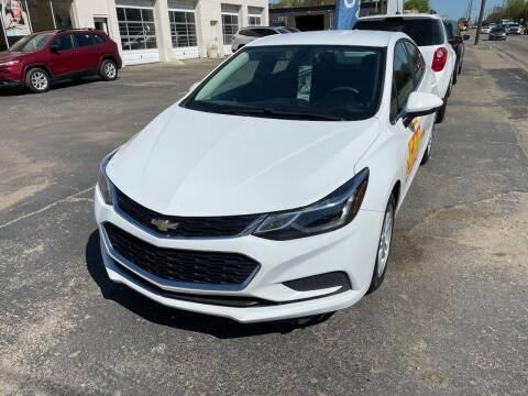 2018 Chevrolet Cruze for sale at National Auto Sales Inc. - Hazel Park Lot in Hazel Park MI