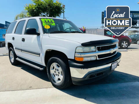 2005 Chevrolet Tahoe for sale at Credit World Auto Sales in Fresno CA
