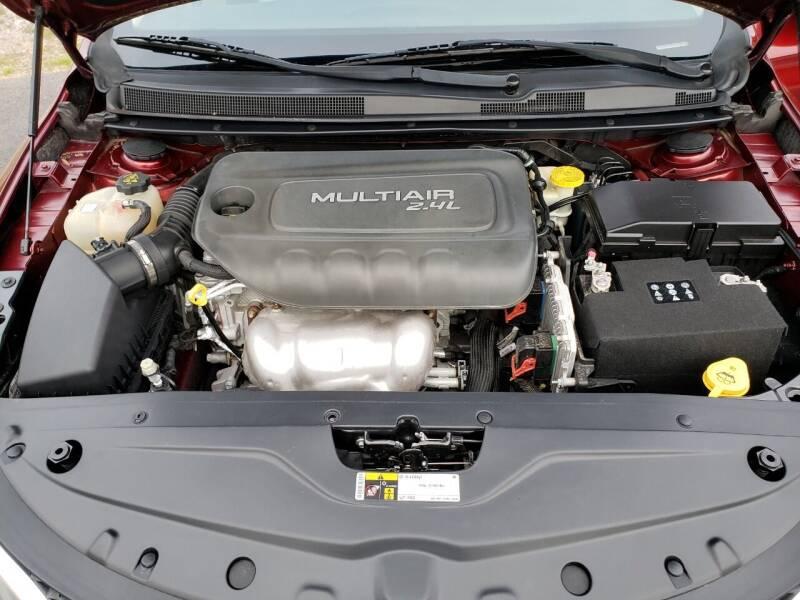 2015 Chrysler 200 Limited 4dr Sedan - Greenwood AR