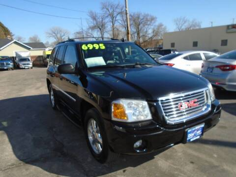 2007 GMC Envoy for sale at DISCOVER AUTO SALES in Racine WI