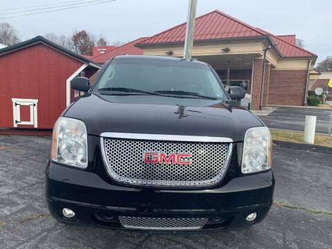 2010 GMC Yukon XL for sale at Country Auto Sales Inc. in Bristol VA