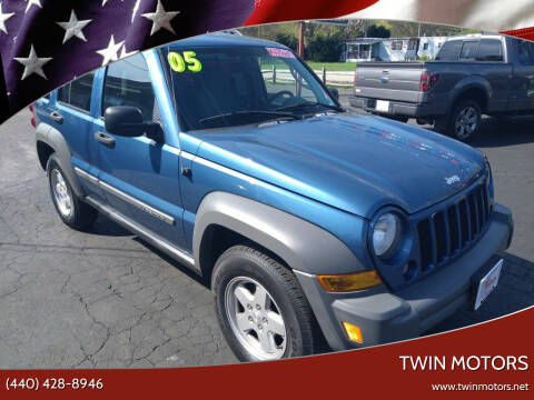 2005 Jeep Liberty for sale at TWIN MOTORS in Madison OH