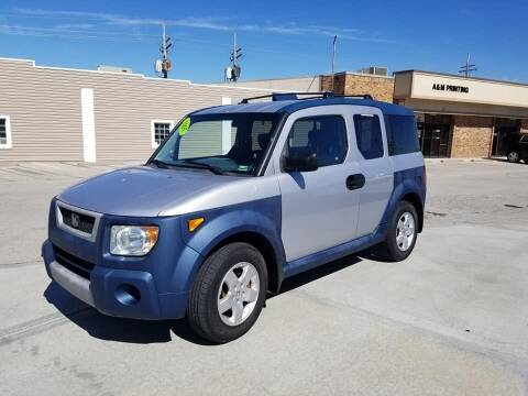 2005 Honda Element for sale at PLATTE WOODS PRECISION AUTO SALES AND SERVICE in Kansas City MO
