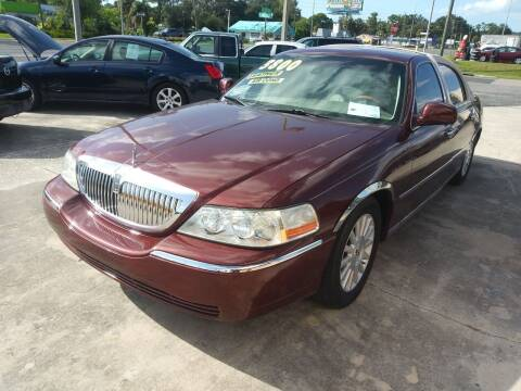 2003 Lincoln Town Car for sale at QUALITY AUTO SALES OF FLORIDA in New Port Richey FL