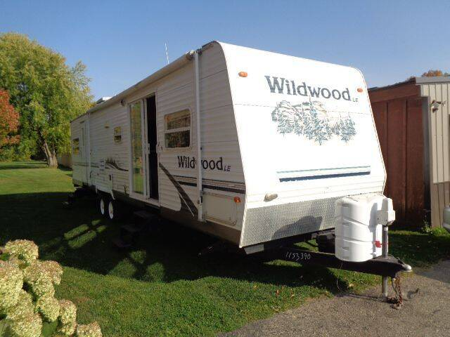 2006 Forest River Wildwood for sale at COUNTRYSIDE AUTO INC in Austin MN
