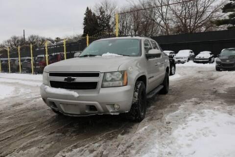 2007 Chevrolet Avalanche for sale at F & M AUTO SALES in Detroit MI