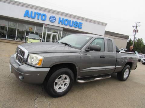 2005 Dodge Dakota for sale at Auto House Motors in Downers Grove IL