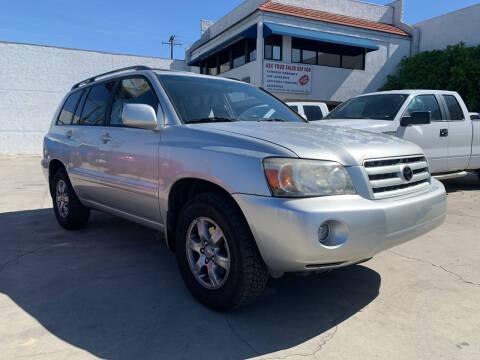 2006 Toyota Highlander for sale at Best Buy Quality Cars in Bellflower CA