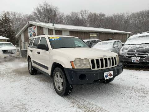 2005 Jeep Grand Cherokee for sale at Victor's Auto Sales Inc. in Indianola IA