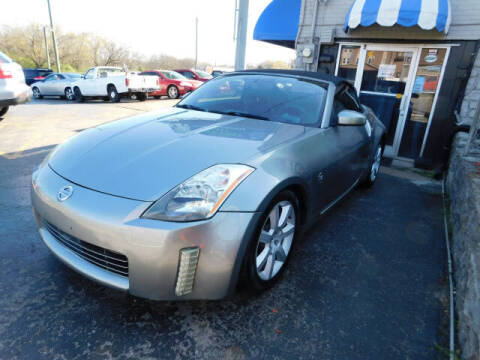 2004 Nissan 350Z for sale at WOOD MOTOR COMPANY in Madison TN