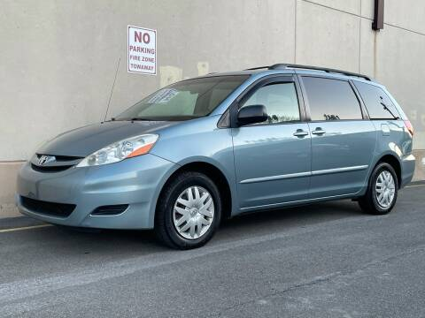 2007 Toyota Sienna for sale at International Auto Sales in Hasbrouck Heights NJ