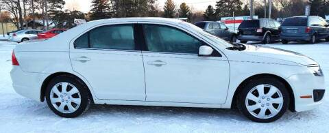2010 Ford Fusion for sale at Hilltop Auto in Clare MI