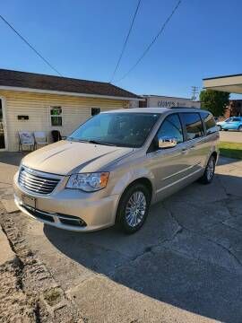 2015 Chrysler Town and Country for sale at Adan Auto Credit in Effingham IL