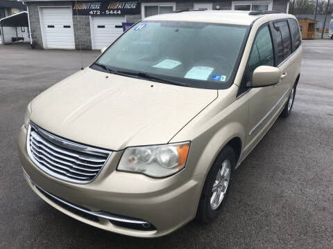 2011 Chrysler Town and Country for sale at RACEN AUTO SALES LLC in Buckhannon WV