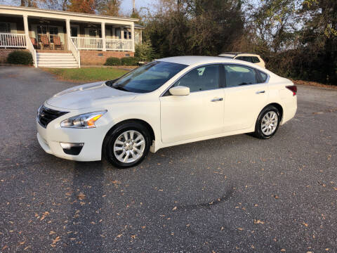 2015 Nissan Altima for sale at Dorsey Auto Sales in Anderson SC