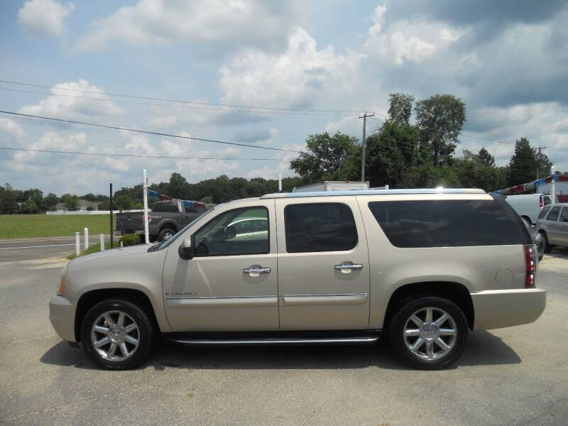 2007 GMC Yukon XL for sale at All Cars and Trucks in Buena NJ