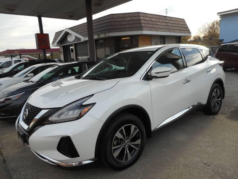2019 Nissan Murano for sale at River City Auto Center LLC in Chester IL
