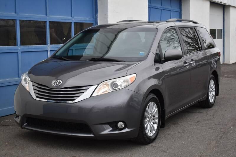 2015 Toyota Sienna for sale at IdealCarsUSA.com in East Windsor NJ